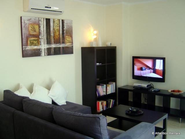Lounge (pic1) - Las Palmeras II Complex, Puerto del Carmen, Lanzarote